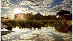 Lage des Edo's Camp in Botswana | Abendsonne Afrika