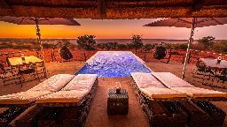 Ausblick vom Bagatelle - Das Boutique Farmhaus in Namibia | Abendsonne Afrika