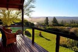 Veranda der Addo Dung Beetle Guest Farm in Südafrika | Abendsonne Afrika