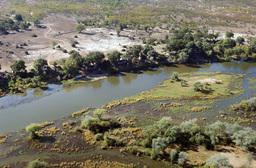 Blick von oben auf das Amanzi Camp in Sambia | Abendsonne Afrika