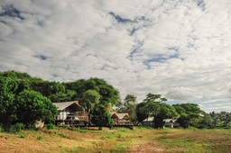 Blick auf das Anabezi Camp in Sambia | Abendsonne Afrika