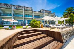 Blick auf das Baystone Boutique Hotel & Spa auf Mauritius | Abendsonne Afrika