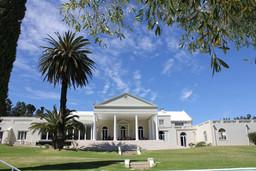 Hintereingang des Cascade Manor in Südafrika | Abendsonne Afrika