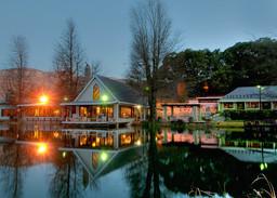 Blick auf das Cleopatra Mountain Farmhouse in Südafrika | Abendsonne Afrika