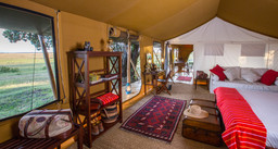 Honeymoon Zelt im Elephant Pepper Camp in Kenia   Abendsonne Afrika