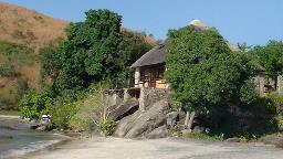 Blick auf die Makuzi Beach Lodge in Malawi | Abendsonne Afrika