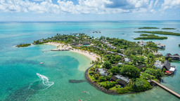 Blick auf das Four Seasons Resort Mauritius at Anahita auf Mauritius | Abendsonne Afrika