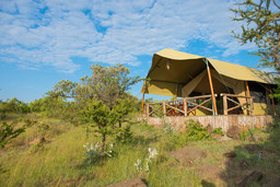 Zelt im Kilima Camp in Kenia   Abendsonne Afrika