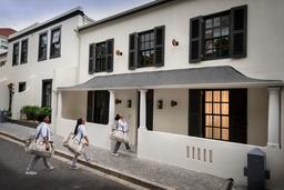 Hauptgebäude des More Quaters in Südafrika | Abendsonne Afrika