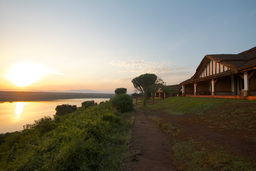 Sonnenuntergang in der Mweya Safari Lodge in Uganda | Abendsonne Afrika