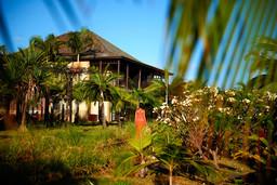 Gartenanlage im Palm Hotel & Spa auf La Réunion | Abendsonne Afrika