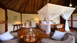 Doppelzimmer im Saruni Mara Camp in Kenia   Abendsonne Afrika