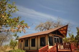 Zelt des Tarangire Balloon Camp in Tansania | Abendsonne Afrika
