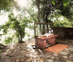 Spa im The Retreat in Tansania | Abendsonne Afrika